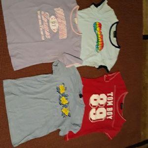 Lot of 4 t-shirts size medium to large juniors
